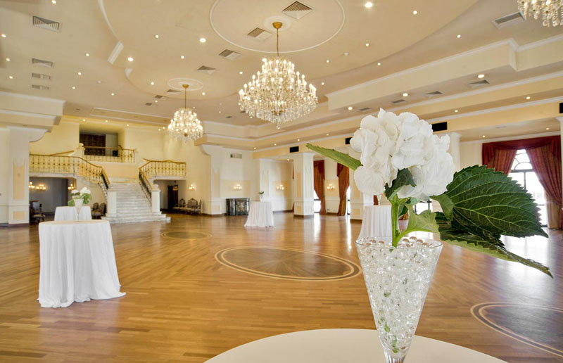 Vista point malta wedding venues for Small indoor wedding venues